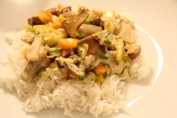 Schwammerlgulasch mit Reis