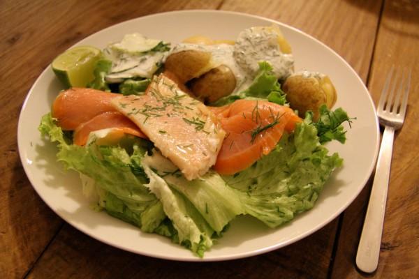 Räucherlachs und Forelle, heurige Kartoffel & Sauerrahm Dillsauce
