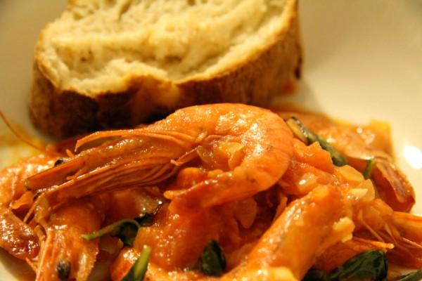 Garnelen in Tomaten Basilikum Sauce