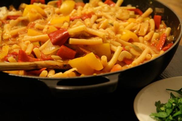 Portugiesischer Stockfisch Eintopf mit Tomaten & Paprika